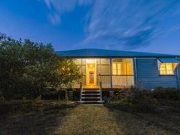 Apple Blossom Cottage, Stanthorpe | Southern Queensland Country