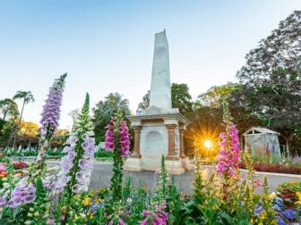 Memorial-and-flowers-Toowoomba
