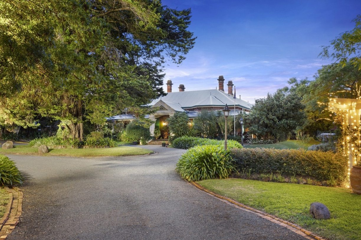 House-with-driveway-Toowoomba