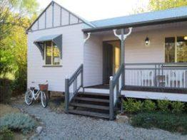 Briar Rose Cottages, Stanthorpe | Southern Queensland Country