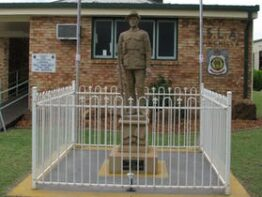 Soldier Statue Memorial, Chinchilla
