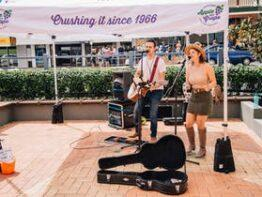 Busking in Stanthorpe – South East Qld Finals of the Australian National Busking Championships